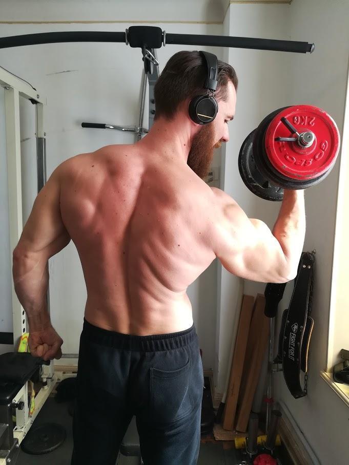 Le rowing barre pour se muscler le dos