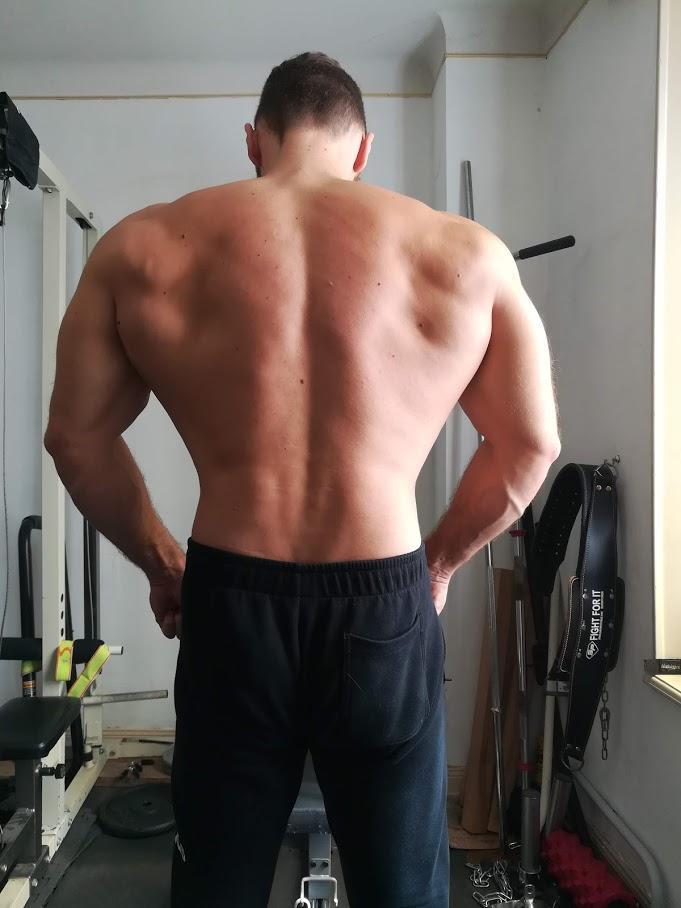 Rowing barre pour muscler le dos