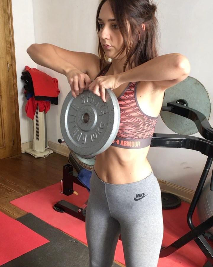 Musculation femme à la maison