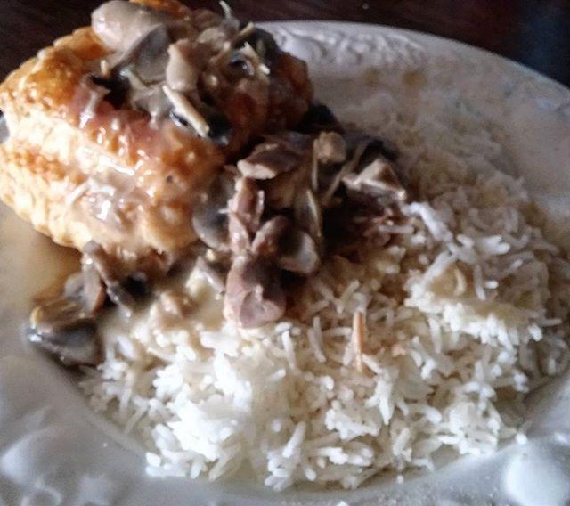 Vol au vent, riz, poulet